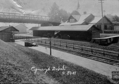 Pennsylvania Railroad Station, Cynwyd – Trackside