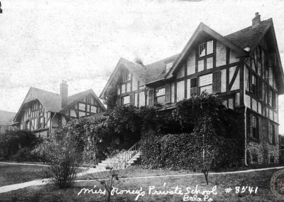 Miss Roney's School for Girls, Bala